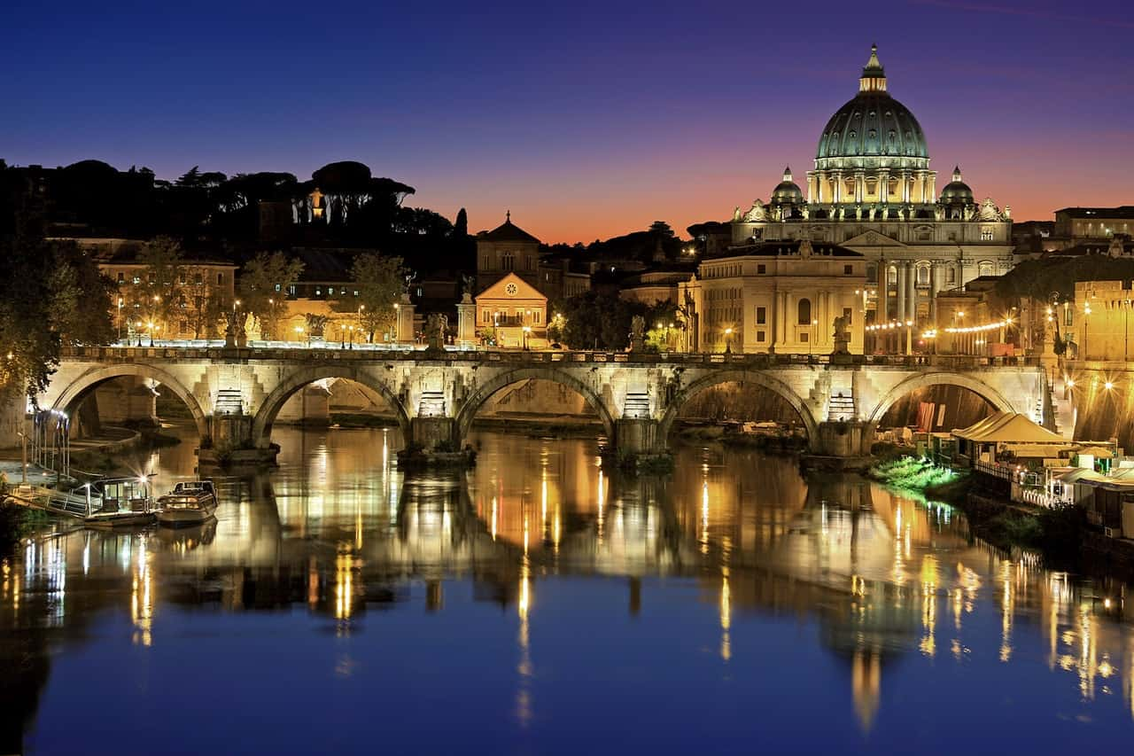 Rome Itinerary 4 days - How to Make The Most of Your Time In Rome & Vatican City   ItsAllBee
