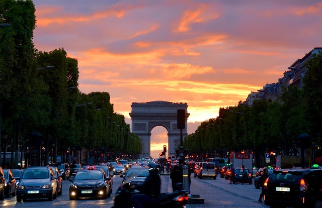Arc de Triomphe Paris viewpoint