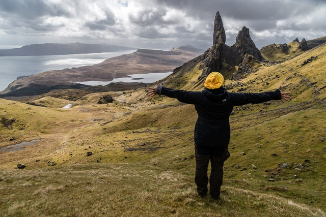 Scotland packing list | what to pack for Scotland in January | what to wear in Scotland | shoes for scotland | jackets for scotland